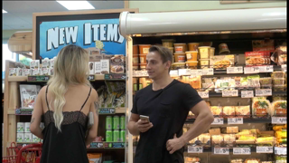 How To Pick Up Girls In a Grocery Store!